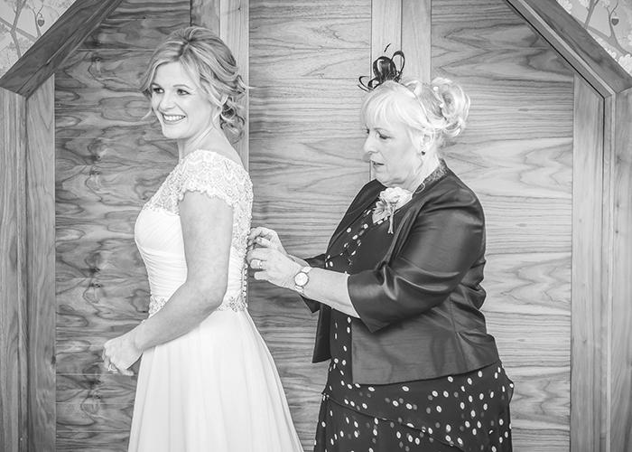 jesmond dene house wedding bride and mum dress